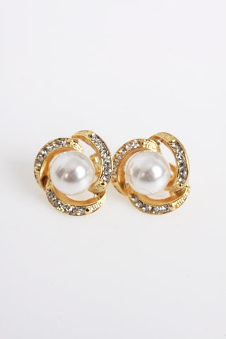 Clip On Pearl Earrings with Art Vintage Wedding Style for Women  - Cream Pearls