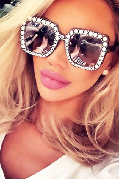 black diamntie square sunglasses on girl