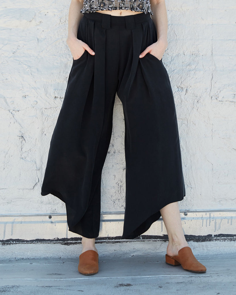 The Lova Pant in Charcoal