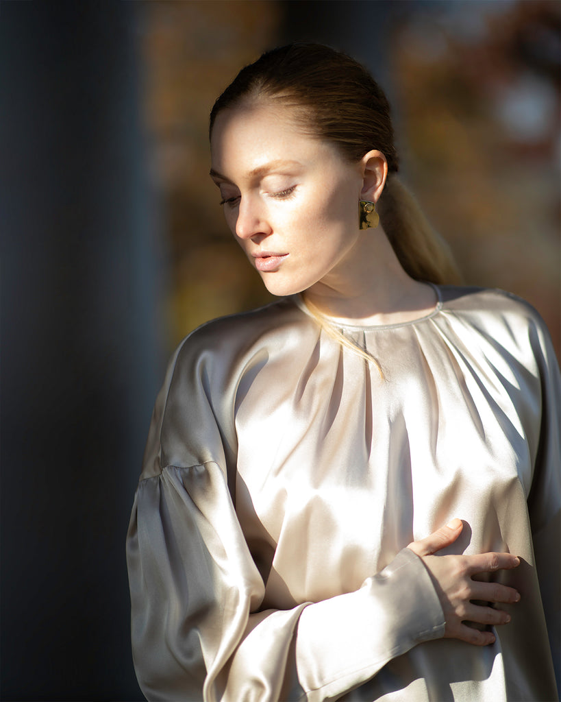 The Ylva Blouse in Shimmery Sand - INGA-LENA