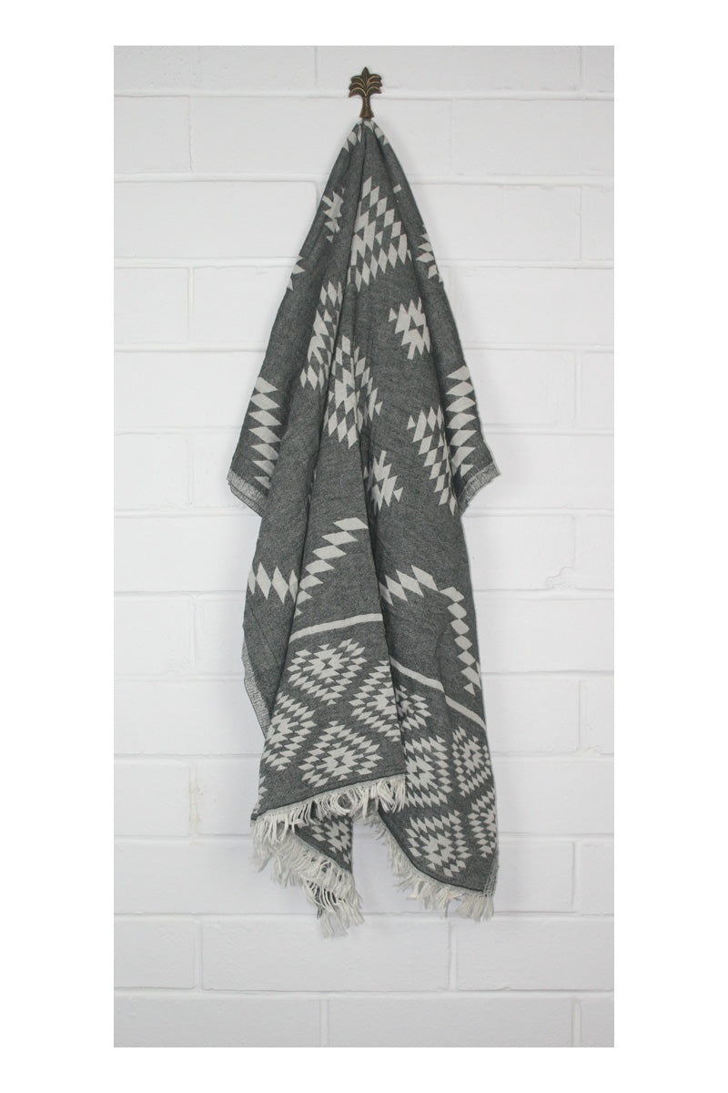 Wild One Turkish Towel - Black - Sumavi
