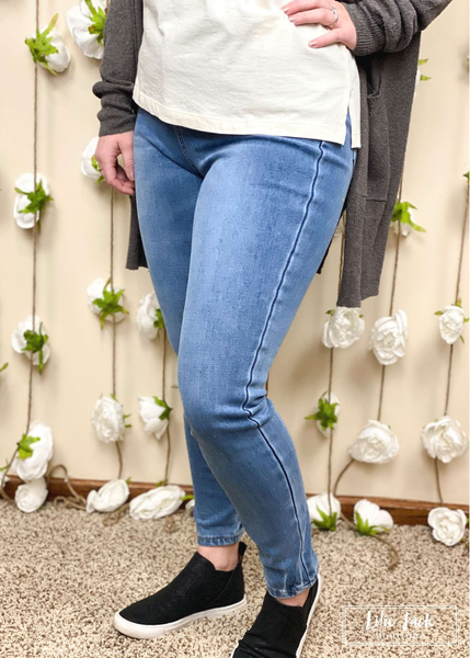 The Jessa Thermadenim Medium Wash Judy Blue Skinny Jeans