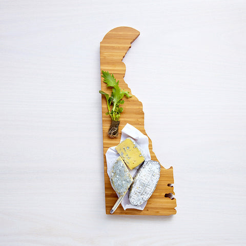 AHeirloom Delaware State Shaped Cutting Board Cheese.jpeg