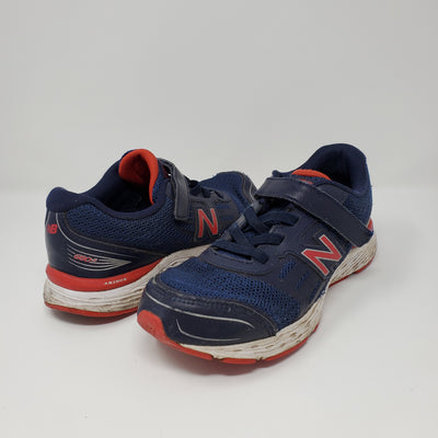 New Balance Shoe, Navy, size 5