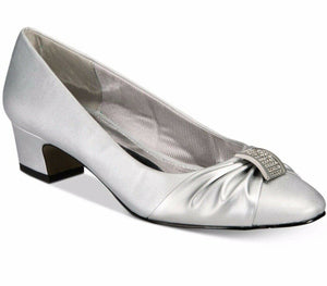 NIB Easy Street Eloise Dress Shoes, Silver Satin Sz. 8WW