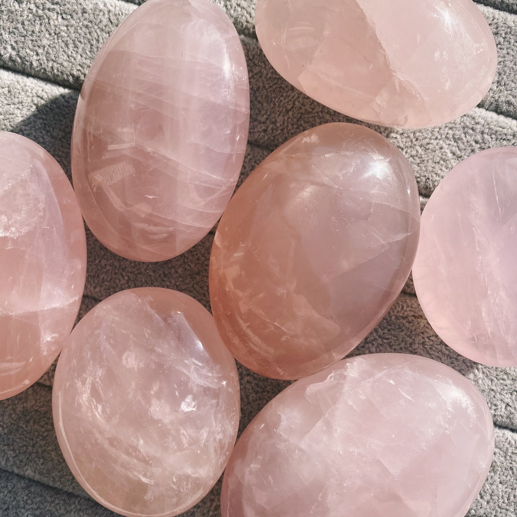 (1) Rose Quartz Palmstone