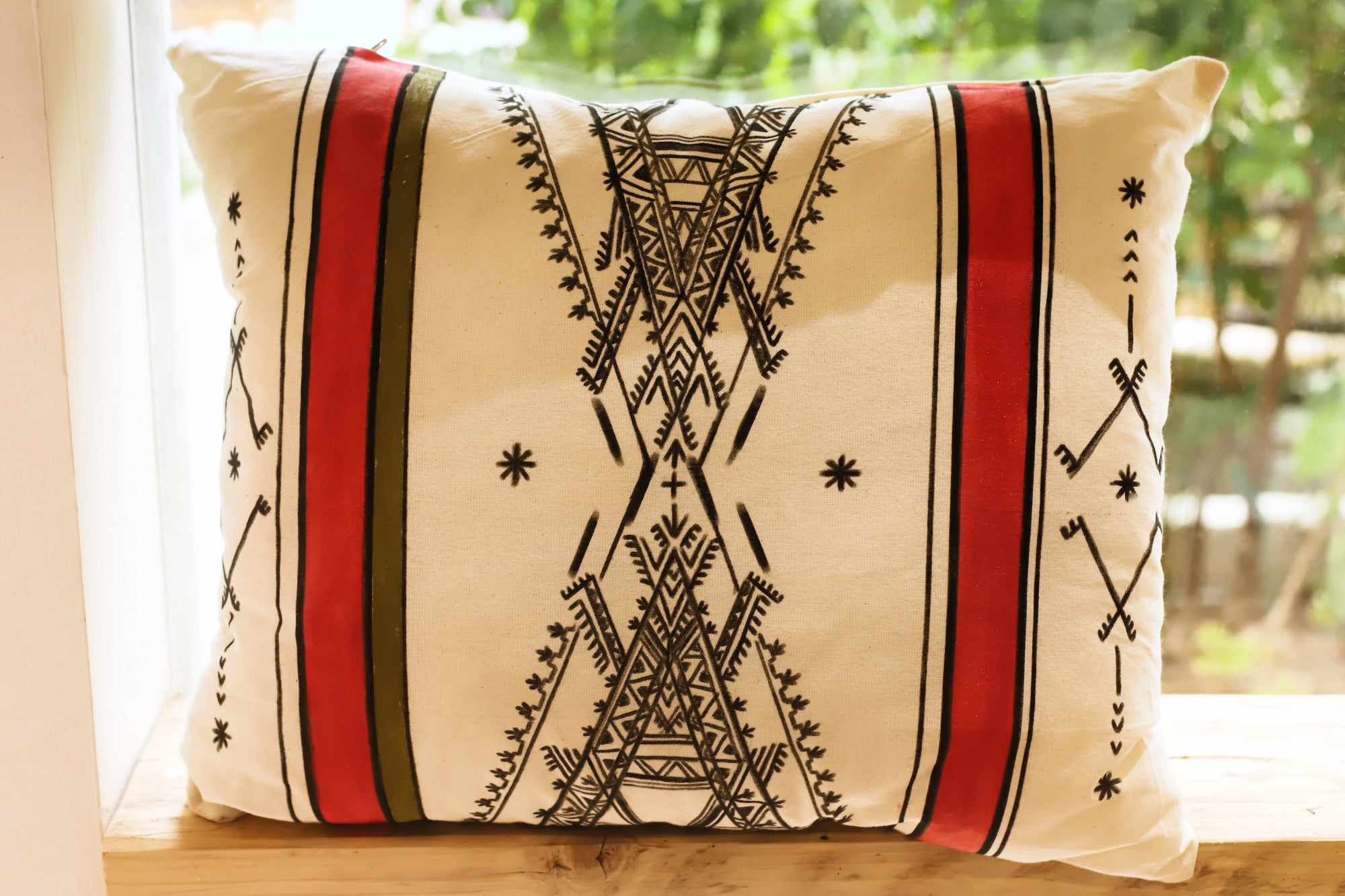BERBER TRIANGLE - Handpainted Pillow cover by Fatimazahra Rkhami
