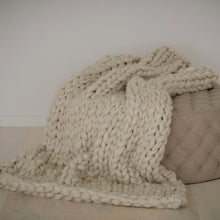 Extra Large Chunky Knit Throw Blanket | Kasie Creates