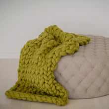 Mini Super Chunky Wool Throw Blanket | Kasie Creates