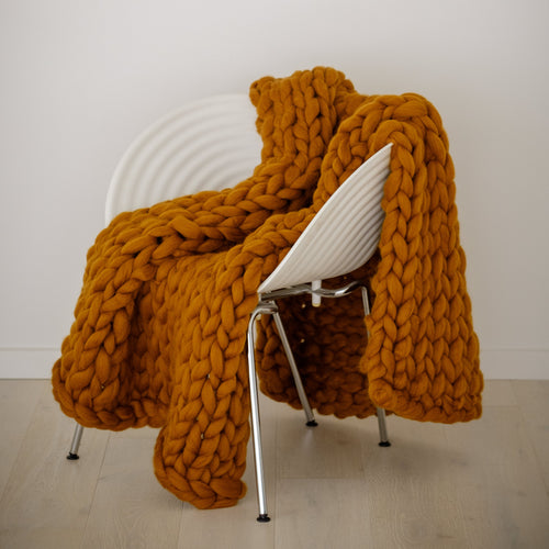 Large Chunky Knit Throw Blanket | Kasie Creates