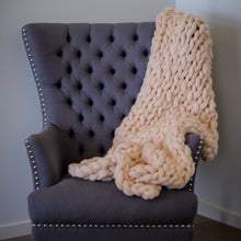 Small Super Chunky Wool Throw Blanket | Kasie Creates