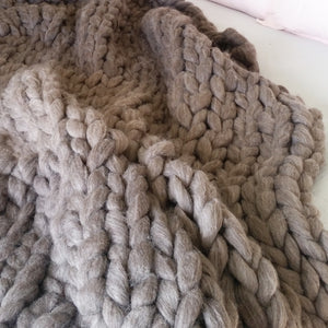 Natural Medium Chunky Wool Throw Blanket | Kasie Creates