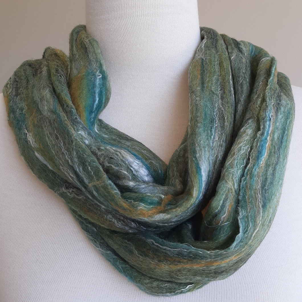 Merino Silk Scarf Peppercorn Dark Green