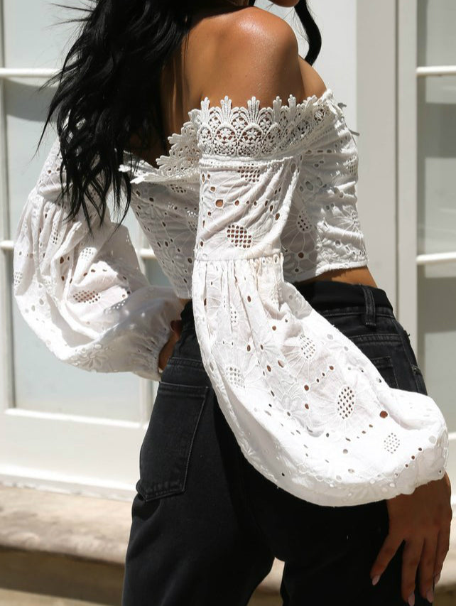 Single Tie-up Lace T-shirt