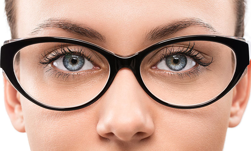 How to Choose Glasses For Your Eye Color