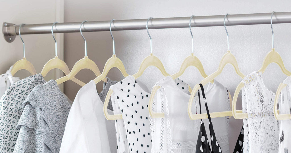 Velvet Non-Slip Hangers 50-Count Only $13.99 on Zulily.com (Regularly $50) | Awesome Review