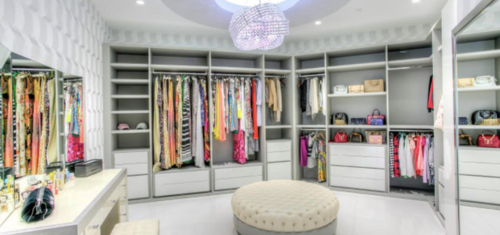 If your clothes and accessories are important to you, you should take the opportunity to showcase them appropriately through walk in closet ideas