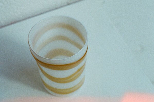 WHITE WITH MUSTARD STRIPES GLASS