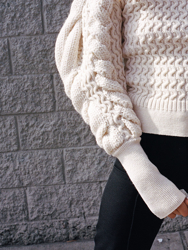 LARGE SLEEVE CABLE KNIT, CHALK