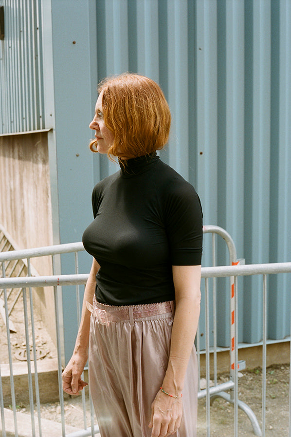 TURTLENECK TOP SHORT, BLACK