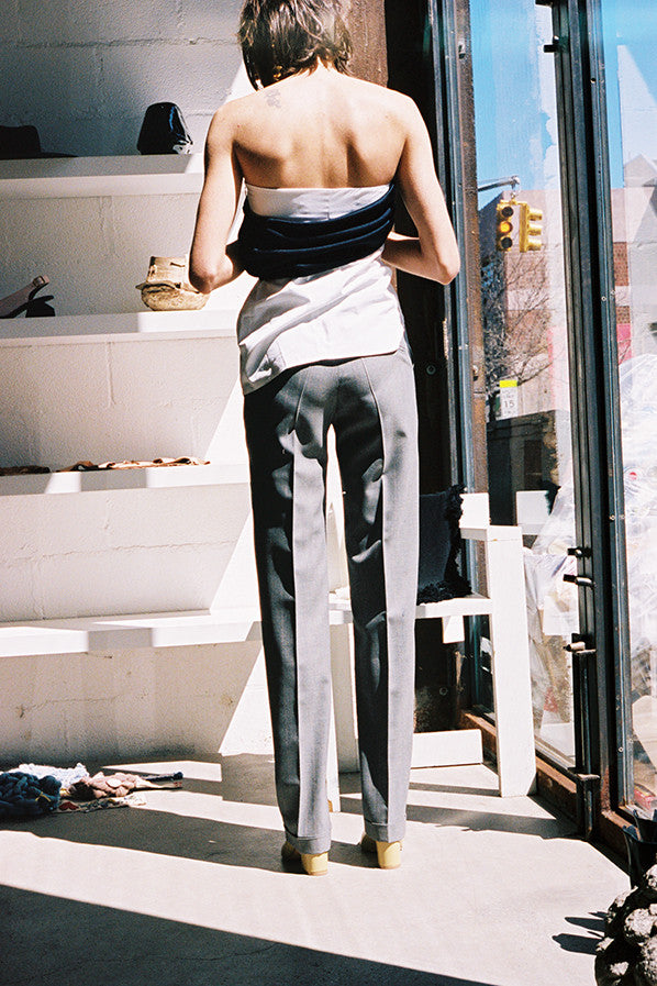 LE PANTALON DE COSTUME, GREY STRIPED