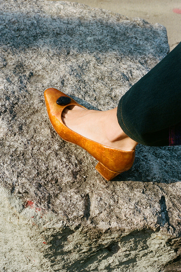 LEONOR PUMP, FLAME GLITTER — ONLINE EXCLUSIVE