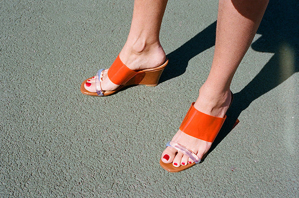OLYMPIA WEDGE, BARK PATENT/ORANGE