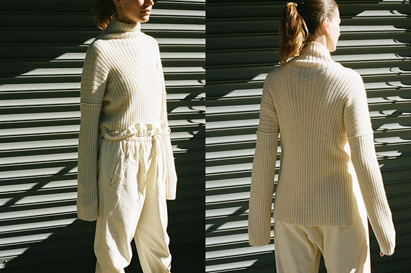 RIB TURTLENECK, WHITE