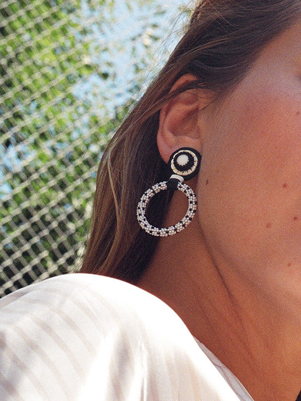 SMALL HOOP EARRING, BLACK/WHITE