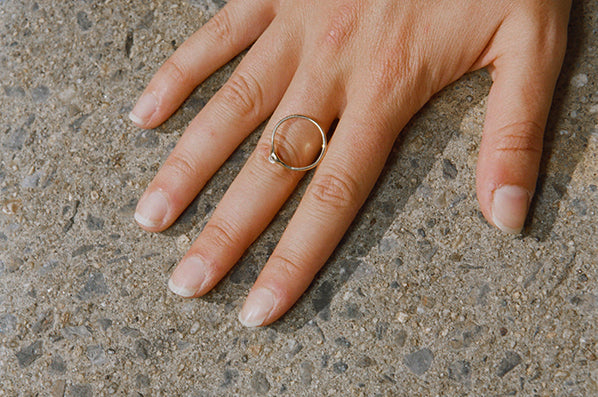 VERO RING, 14K GOLD WITH MOONSTONE