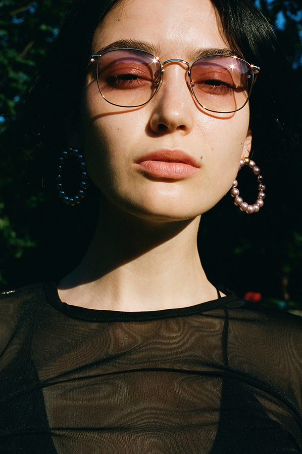 SQUARE WIRE FRAME SUNGLASSES, GOLD/PINK LENSES
