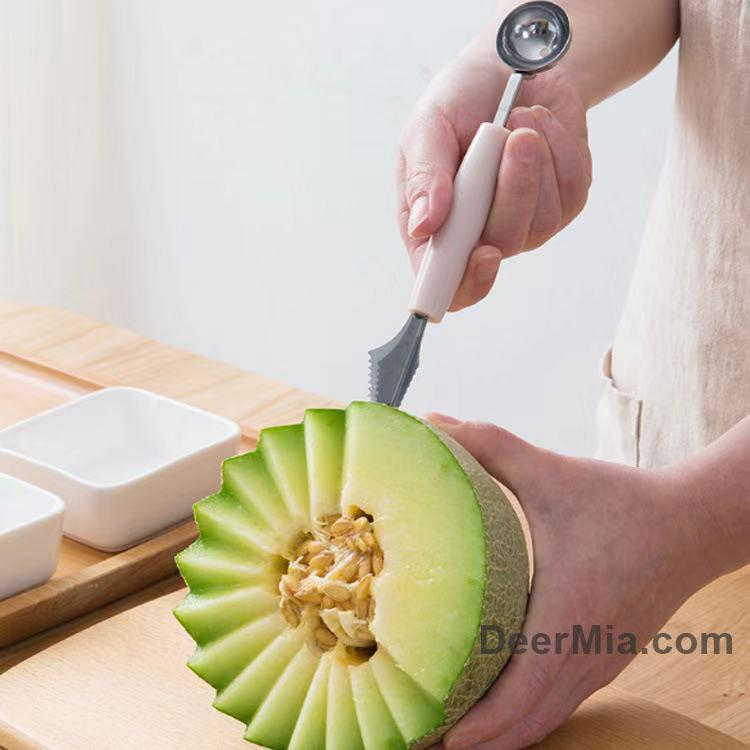 Fruit digging ball carving device-homeware