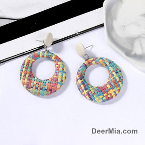Vintage simple hollow knitted round earrings