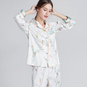 Long sleeve printed silk pajamas