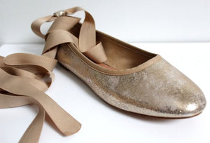 Ballerines or à lacets