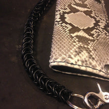 Load image into Gallery viewer, Chainmail Chain - Box Weave - Black