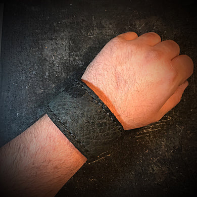 Cuff - Black hippo leather