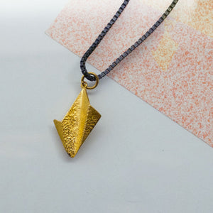 Leaf Pendant - Gold plated