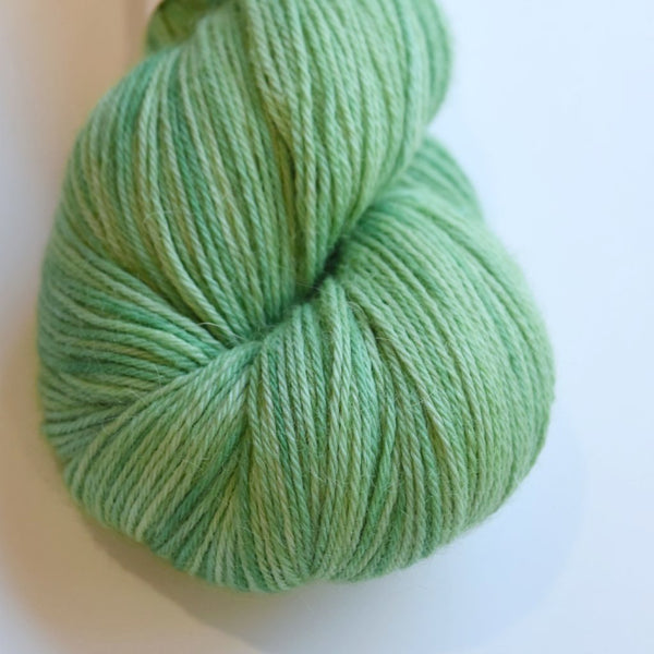Baby Alpaca Yarn 4 Ply Hand Dyed 100% Baby Alpaca Yarn Hand Painted Knitting Weaving Crochet Dolls Hair Gifts Soft Greens 4Ply 12043
