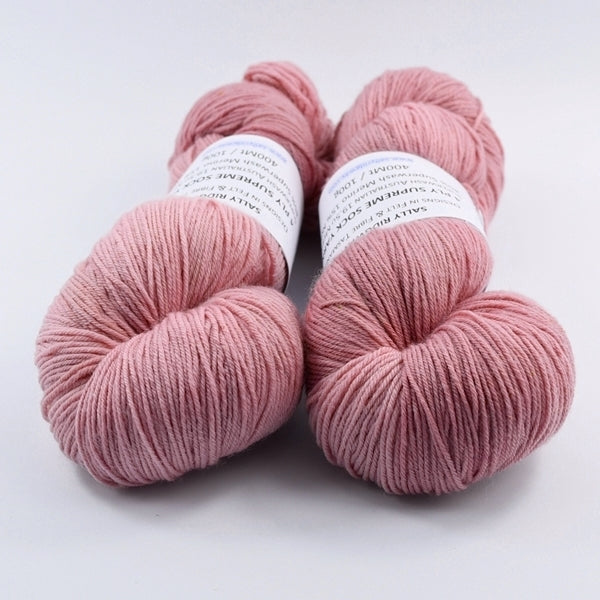 Sock Yarn 4 Ply Australian Merino Wool Knitting Yarn Hand Dyed Soft Dusty Pink 12717| Sock Yarn | Sally Ridgway | Shop Wool, Felt and Fibre Online