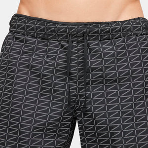 Nike Men's Run Division Challenger 7 Inch Shorts Black / White - achilles heel