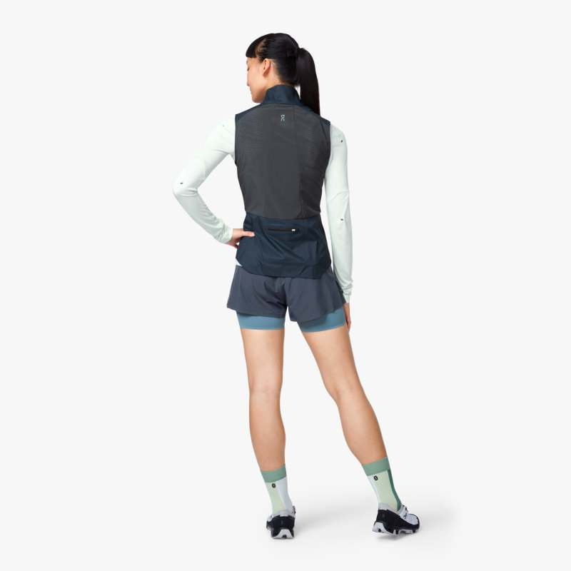 On Women's Weather Vest Navy / Shadow - achilles heel