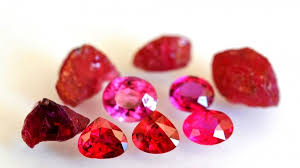 Is it a Pink Saphire or a Ruby?    Safira rosa ou Rubi ?