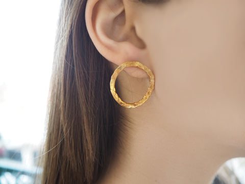 Textures collection - round handmade medium hammered earrings