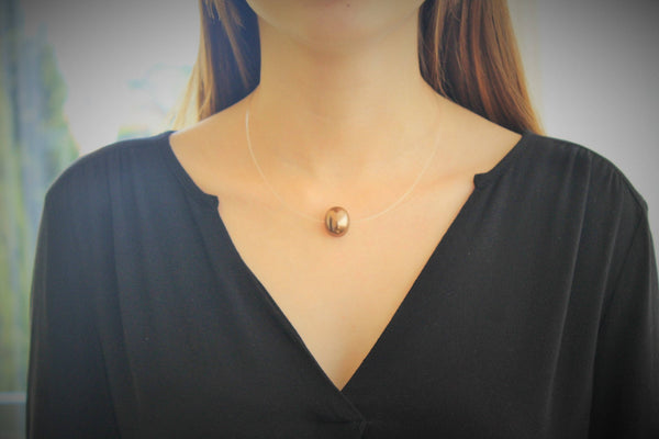 Pearl Shell - Special bronze pearl shell necklace