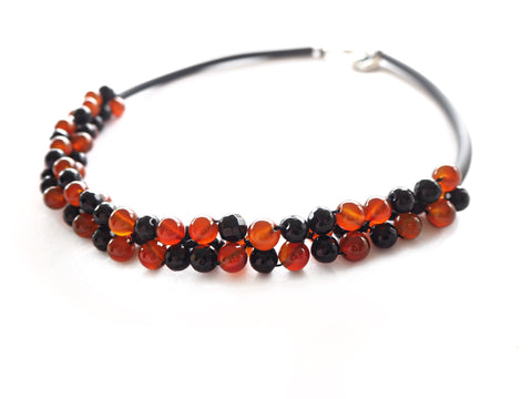 Contemporary line - Onyx, carnelian and black caocho necklace