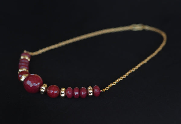 Ruby - Ruby and golden chain necklace