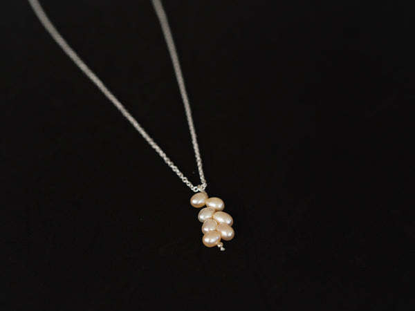 Pearl - Rose pearls pendant and silver chain necklace