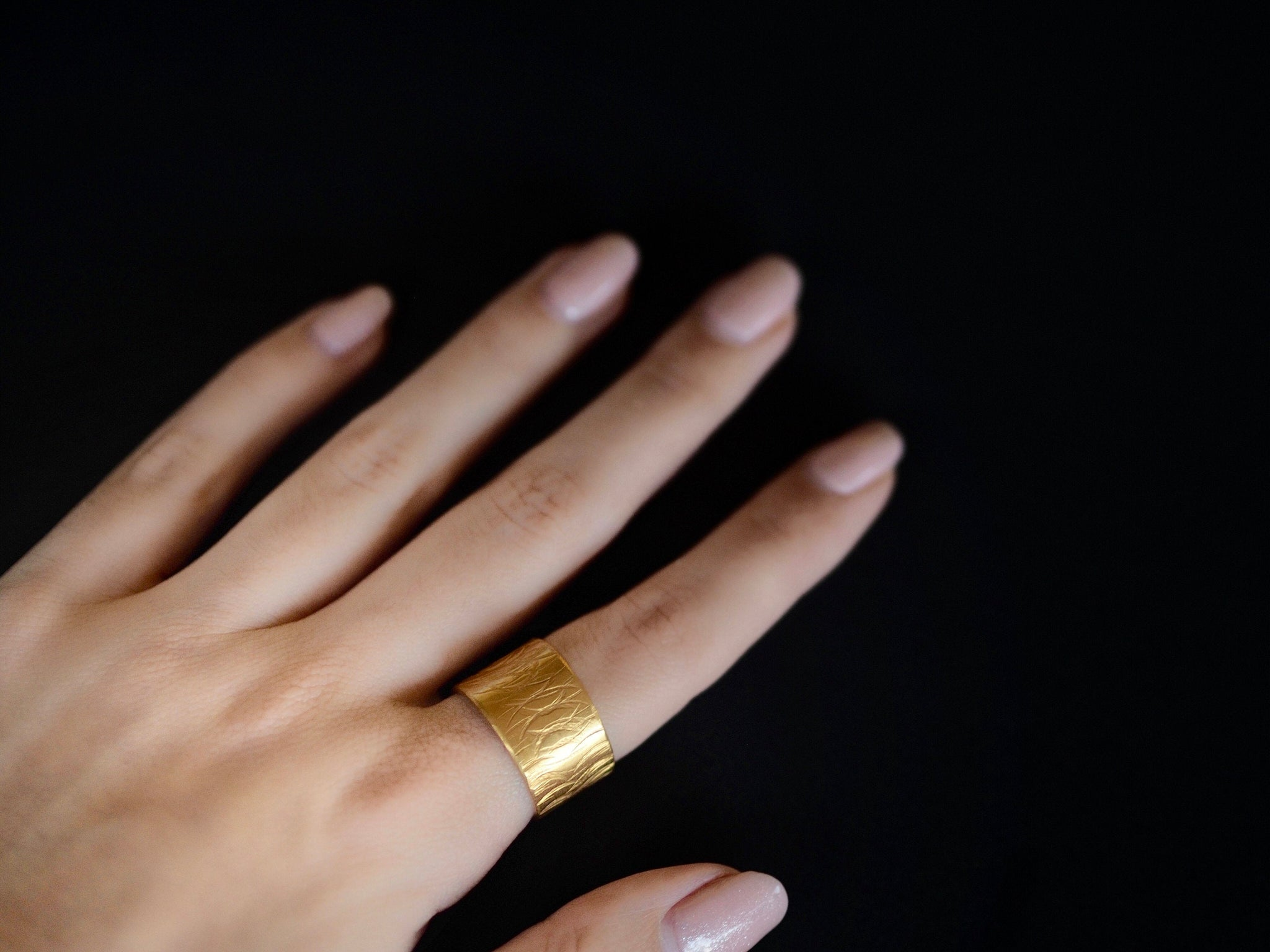 Textures collection - handmade hammered L height ring band