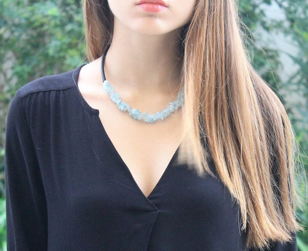 Aquamarine chips centre and caocho necklace